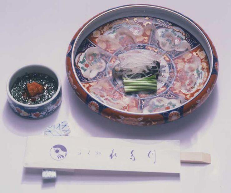 山口県 下関市のふぐの老舗 ふく処 喜多川 ふぐ一品料理 ふく刺し 桜