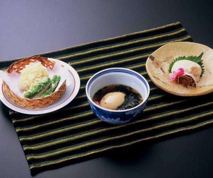 山口県 下関市のふぐの老舗 ふく処 喜多川 ふぐ一品料理 安徳白子コース